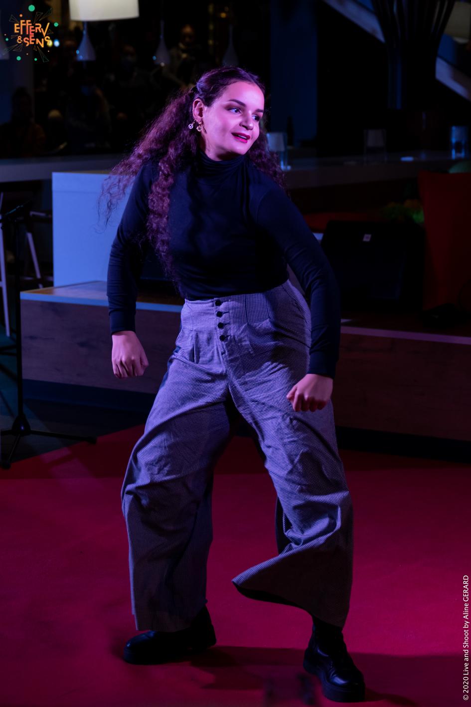 Hajare Akiri_Stand Up - Cabaret des Curiosités_Efferv&Sens à Poitiers